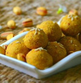 Besan Ke Laddu Recipe