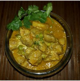 MUSHROOM MATAR CURRY (NORTH INDIAN STYLE) Recipe