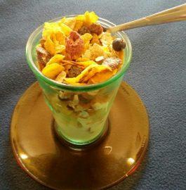 Cornflakes aCornflakes and Fruit Yogurt Smoothie recipend Fruit Yogurt Smoothie