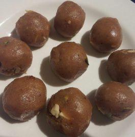 Bread and Walnut Laddoos Recipe