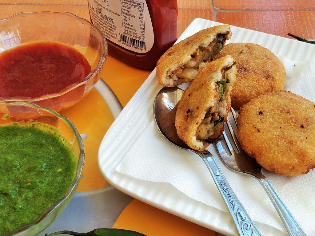 sooji kachori recipe - evening tea time snack
