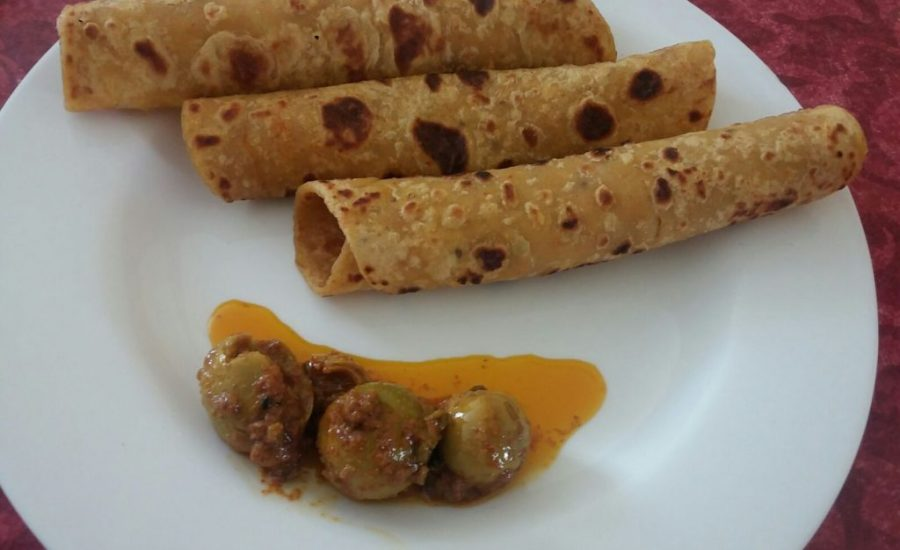 Easy Aloo Paratha Recipe (without stuffing) - Quick Breakfast!