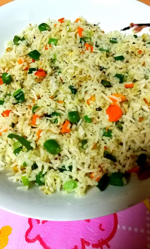 Fried rice with leftover rice - instant meal