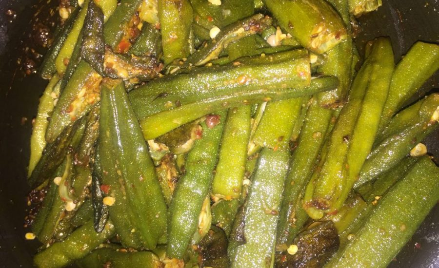 Bhindi with dry spices - Indian curry