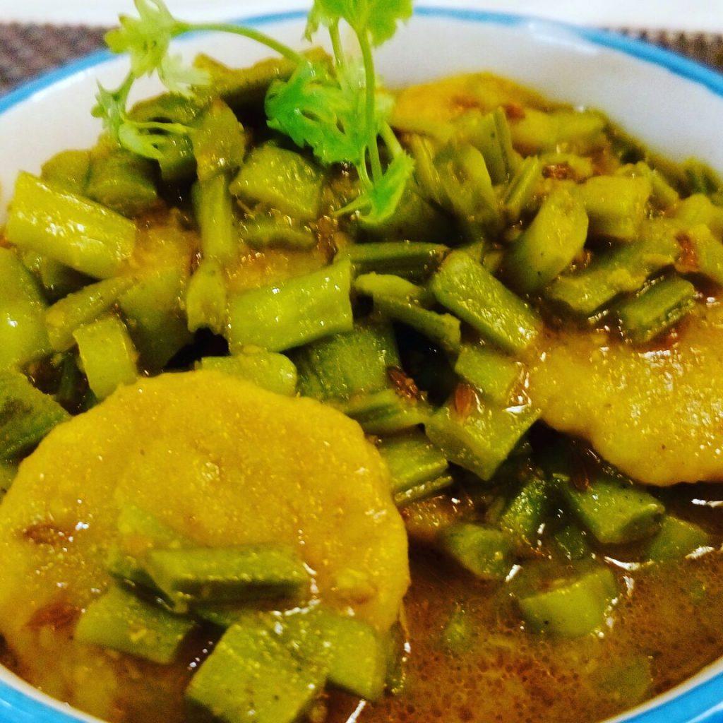 Gujarati Cluster Beans/ Fali Dhokli Recipe