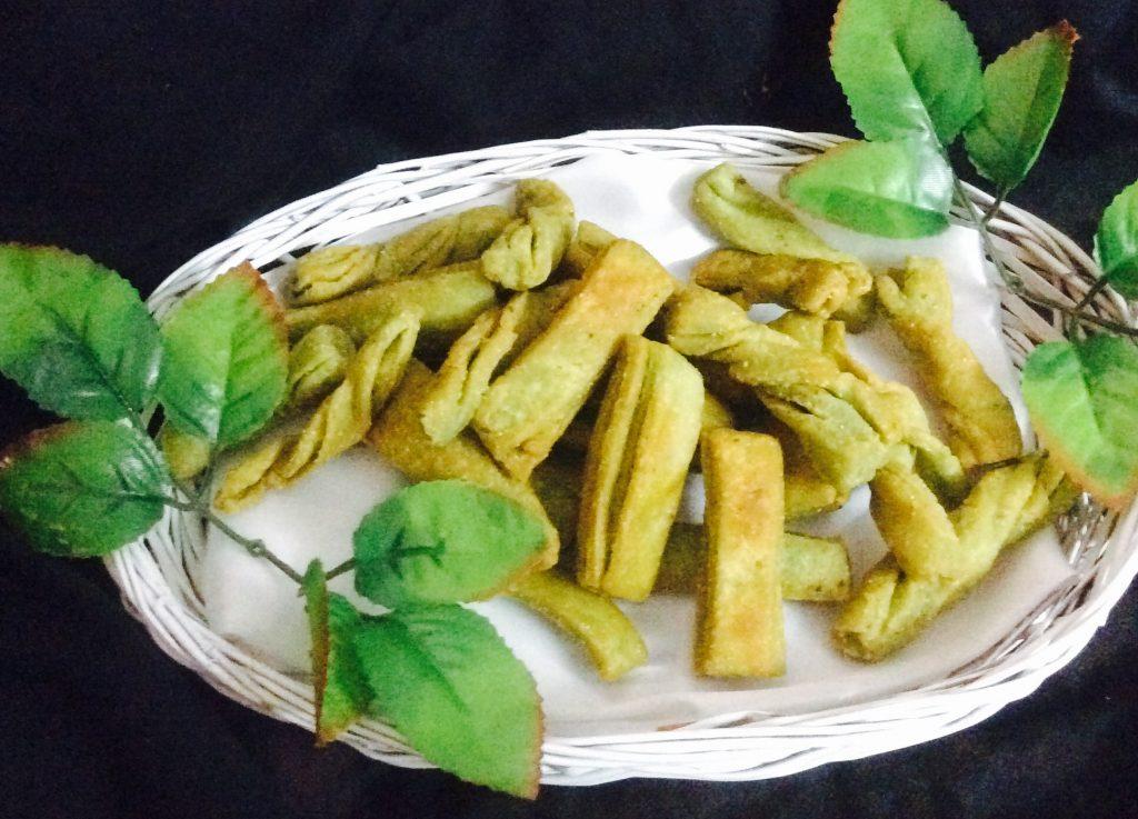 Twisted Palak Sticks Recipe