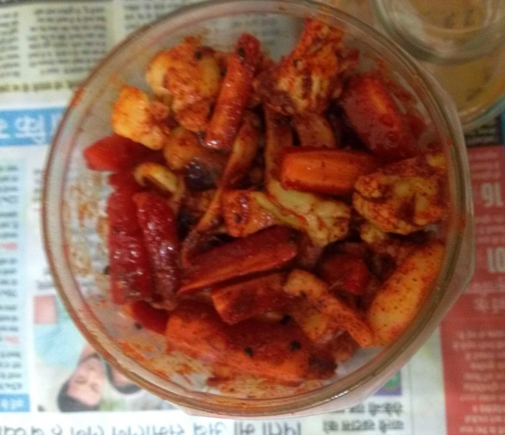 Gajar Gobhi Shalgam ka Achaar Recipe