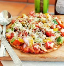 Leftover Roti Pizza Recipe | Thin Crust Veggie Pizza Recipe