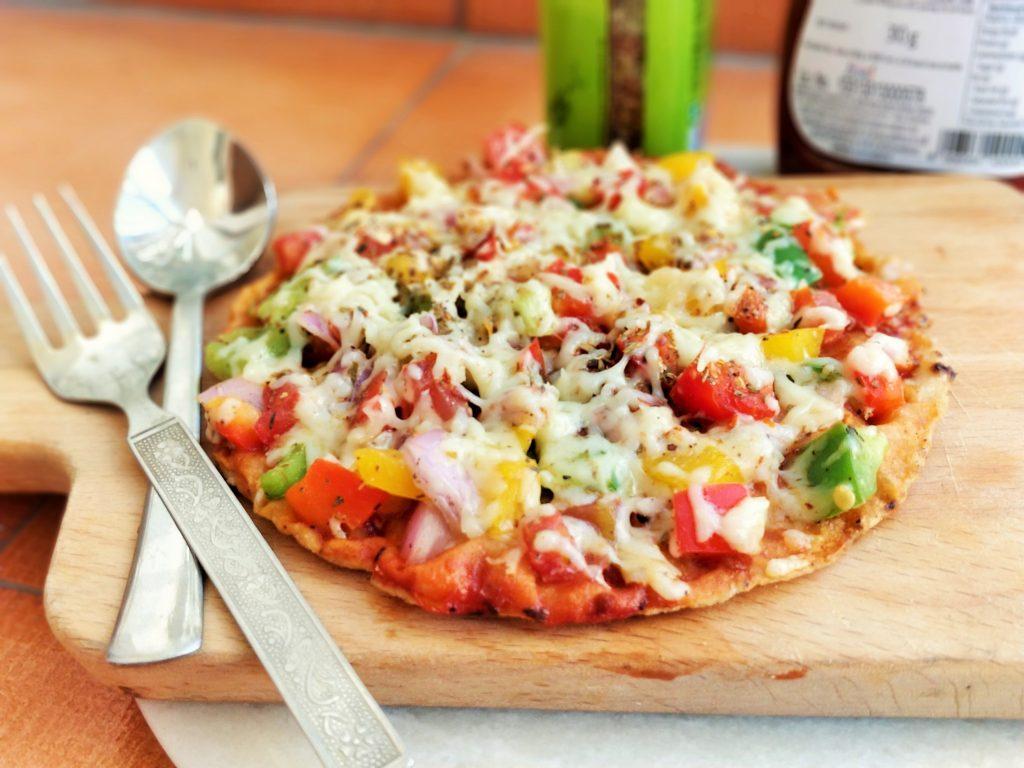 Leftover Roti Pizza Recipe | Thin Crust Veggie Pizza Recipe