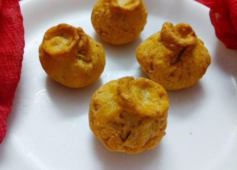 Biscuit Stuffed Potli Recipe