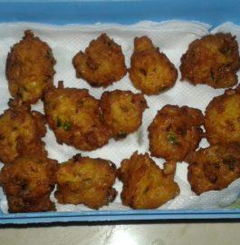 Poha And Makka Pakode Recipe