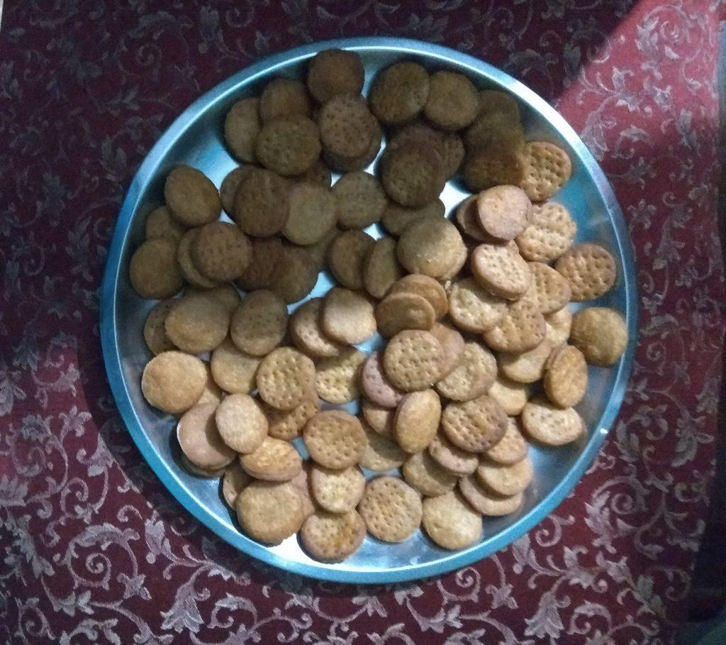 Gud Pare | Gud Ki Khajali Recipe
