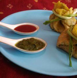 Moong Dal Cheela Potli Recipe