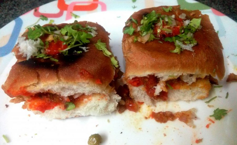 Masala Paav Stuffed With Bhaji Recipe