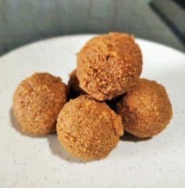 Urad Dal Laddu Recipe